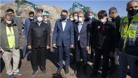 Bakan Pakdemirli, İzmir'de konteyner kent çalışmalarını inceledi