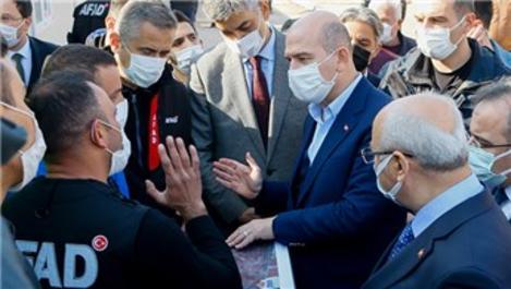 Bakan Soylu, İzmir'de deprem bölgesinde!