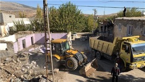 Perre Antik Kenti sınırlarında kalan 12 evin yıkımına başlandı