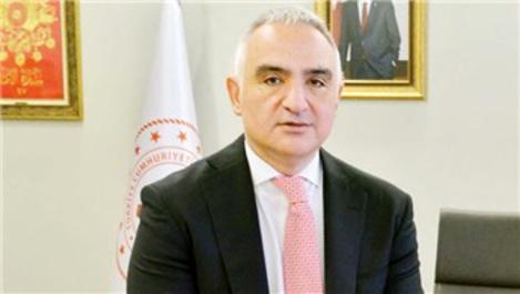 Bakan Ersoy ''Turizm, yılı yüzde 70 daralmayla kapatacak''