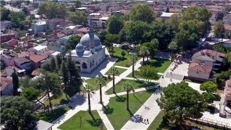 6 asırlık İznik Yeşil Camisi meydanla taçlandı