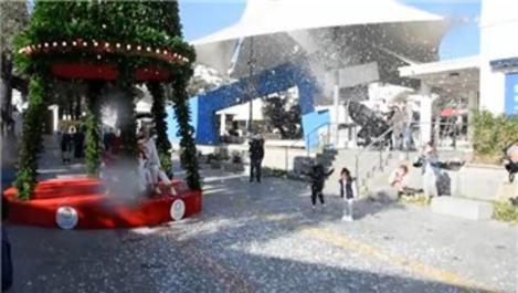 Bodrum'daki AVM'den yapay kar sürprizi!