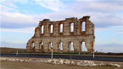 Edirne'deki tarihi hastanenin son duvarına özel koruma!
