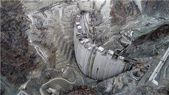 Yusufeli Barajı'nda gövde yüksekliği 262 metreye ulaştı