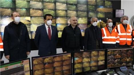 Bakan Karaismailoğlu, yeni yıla kara yolu çalışanlarıyla girdi
