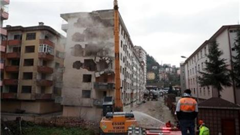 Rize'deki 'Pisa Kuleleri' için yıkım süreci başladı