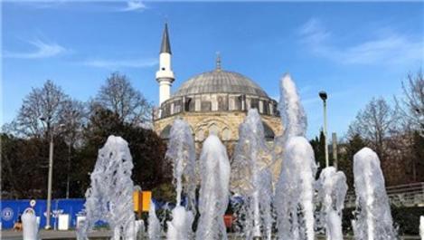 Pertev Mehmet Paşa Camisi yeniden ibadete açılacağı günü bekliyor
