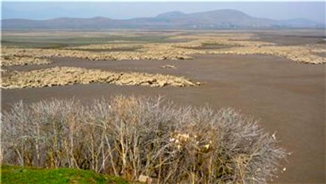 Tahtaköprü Barajı'nda sular çekildi, arkeolojik alan ortaya çıktı