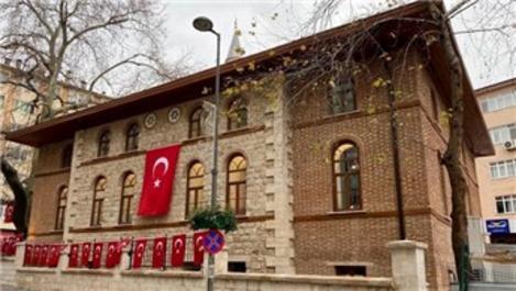 Tarihi Baç Çınarlı Camisi ibadete açıldı