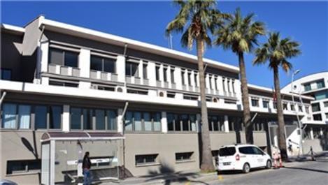 Marmaris Belediyesi hizmet binası riskli olduğu için boşaltıldı