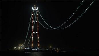 1915 Çanakkale Köprüsü ışıklandırıldı