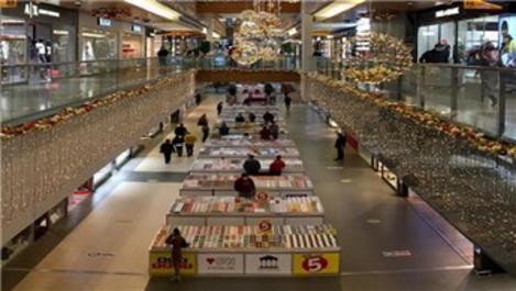 Antalya Terra City AVM'de kitap fuarı devam ediyor!