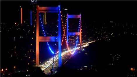 FSM Köprüsü, Dünya Kanser Günü nedeniyle ışıklandırıldı