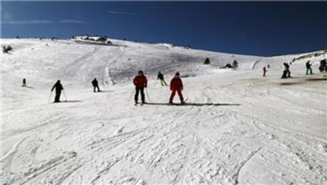 Bolu Kartalkaya'da yarıyıl tatili yoğunluğu yaşanıyor