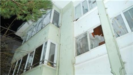 Ayvalık'ta oluşan hortum binalara zarar verdi