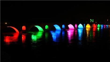 Edirne'de Meriç ve Tunca köprüleri rengarenk ışıklandırıldı