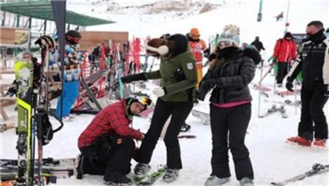 Pınar Altuğ, Kartalkaya'da dağ evi kiraladı!