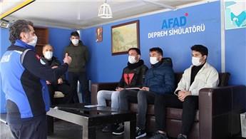 Silivri'de deprem simülasyon tırında farkındalık eğitimi