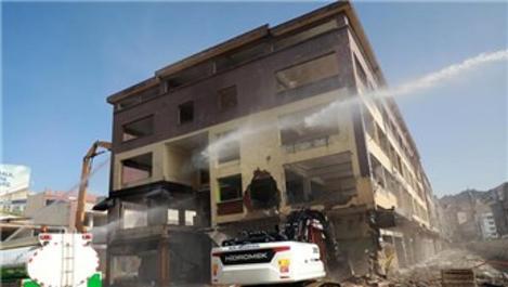 Rize'deki Belediye Blokları'nda yıkımlar başladı