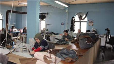 İnegöl mobilya sanayisinde kadınlar üretime güç katıyor