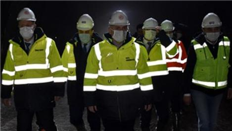 Bakan Karaismailoğlu, hızlı tren tüneli inşaatını inceledi