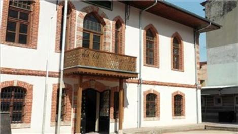 Bursa'daki 553 yıllık Kümbetli Mektep restore edildi!