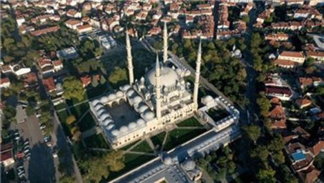 Selimiye Camisi'nin silüetini bozan yapılar kaldırılacak