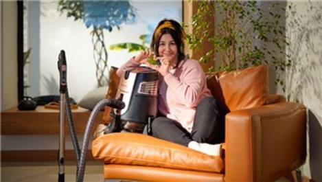Yasemin Sakallıoğlu, Aura Cleanmax'ın reklam yüzü oldu