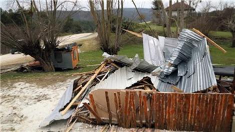 Yedigöller'deki kaçak yapıların yıkımına başlandı