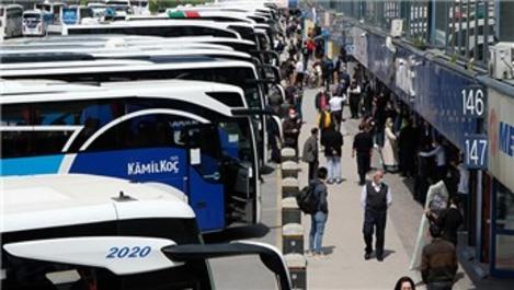İstanbul'da havalimanı ve otogarlarda tam kapanma öncesi yoğunluk