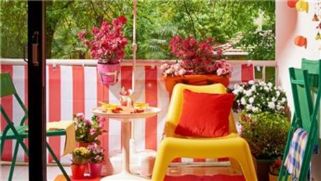 Ahşap boyalar ile balkonunuzu yaşam alanına çevirin