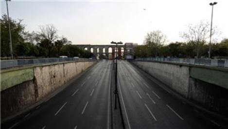 İstanbul'da tam kapanma sebebiyle trafik azaldı!