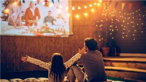Evde sinema keyfi Epson projeksiyonla artıyor!
