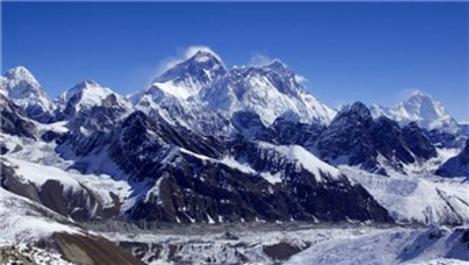Everest Dağı, tırmanışa yeniden açıldı!