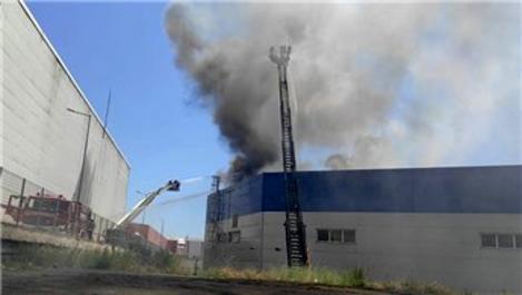 Tuzla Organize Sanayi Bölgesi'nde yangın!