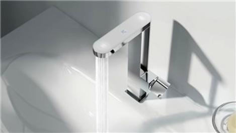 GROHE Plus dijital sıcaklık göstergesiyle tasarruf sağlıyor