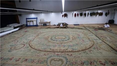 Dolmabahçe Sarayı'nın en büyük halısı restore ediliyor!