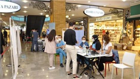 Aqua Florya AVM'de ziyaretçiler için aşı standı kuruldu