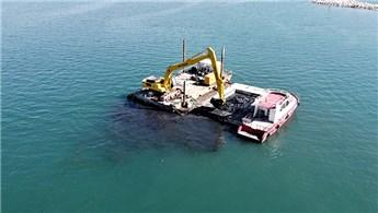 Van Gölü'nden 15 günde 6 bin metreküp dip çamuru temizlendi