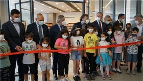 İstanbul'un dördüncü AVM kütüphanesi Axis Kağıthane'de açıldı