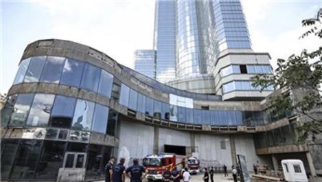 Ankara'da 35 katlı otel inşaatında çıkan yangında hasar oluştu!
