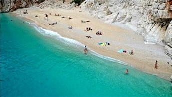 Antalya bir haftada 174 bin 808 Rus turisti ağırladı