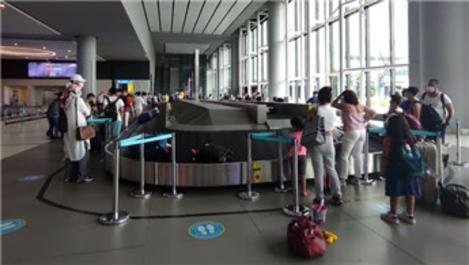 İstanbul havalimanlarında Kurban Bayramı tatili dönüş yoğunluğu