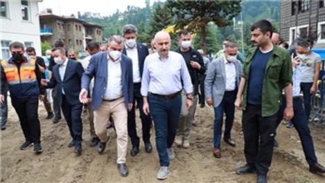 Bakan Karaismailoğlu, Güneysu'daki afet bölgesini inceledi