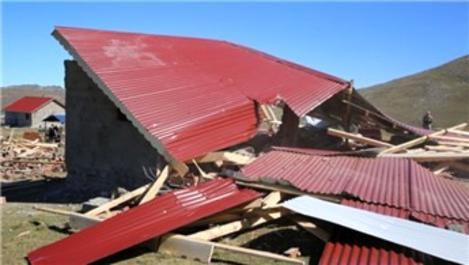 Perşembe Yaylası'ndaki kaçak yapılar yıkıldı