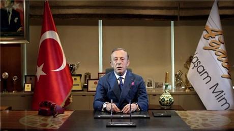 Ali Ağaoğlu, reklam filminde ulusa seslendi!