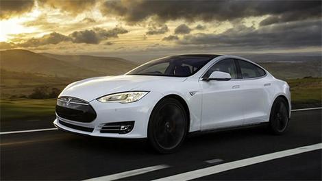 Tesla'nın otopilotu İstanbul trafiğinde!