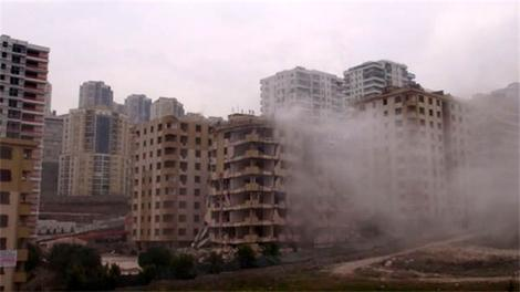 Dinamitler patladı ama bina yıkılmadı