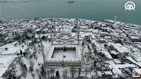 Tarihi Yarımada'nın karla kaplanan hali havadan görüntülendi!