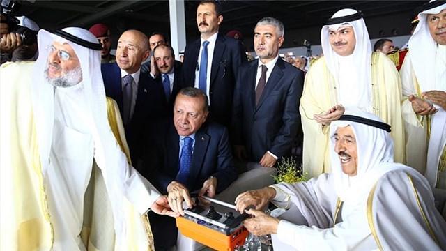 Cumhurbaşkanı, Kuveyt Havalimanı temel atma töreninde!